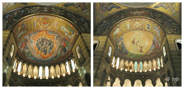 The main dome depicts Biblical scenes from both the Old Testament and New Testament