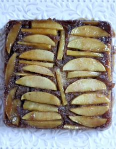 Caramel-Apple-Upside-Down-Cake-recipe-